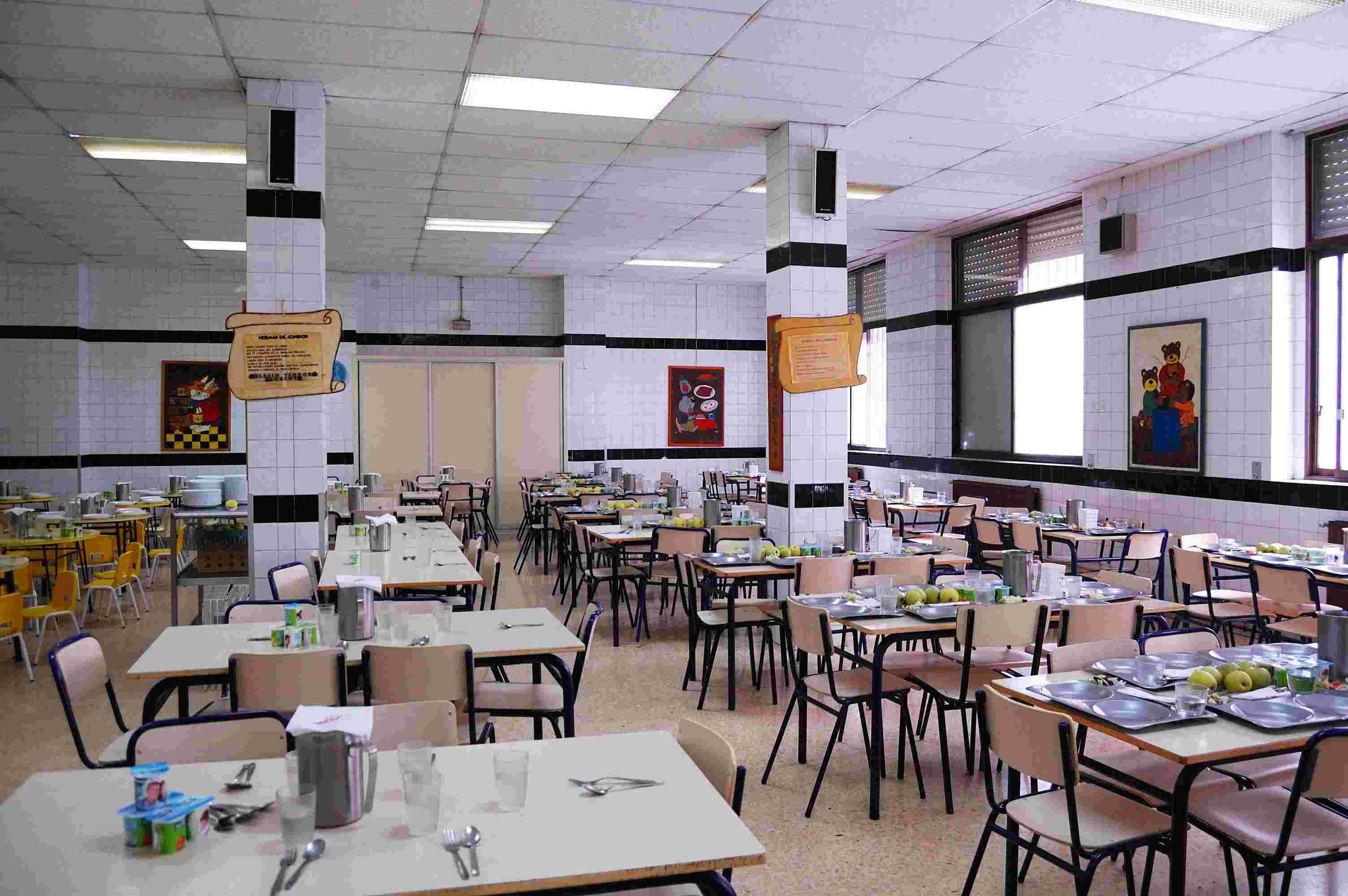 empresas de comedores escolares recortan salarios con la
